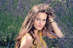 girl-lavender-flowers-mov-115008