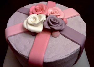 Difference between fondant and royal icing